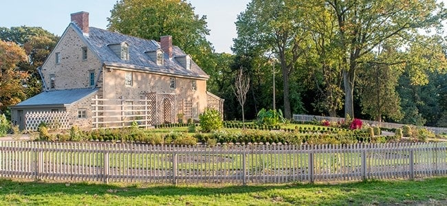 John-Bartram-Historical-Fruits-and-Nuts-In-The-Colonies-