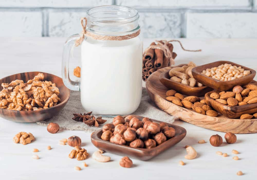 Hazelnut and other nuts with milk